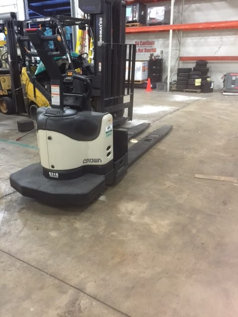 Crown PE4500 80 Used Electric Forklift Truck Lift Power